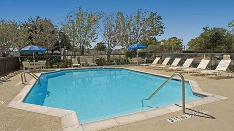 Hampton Inn College Station Pool