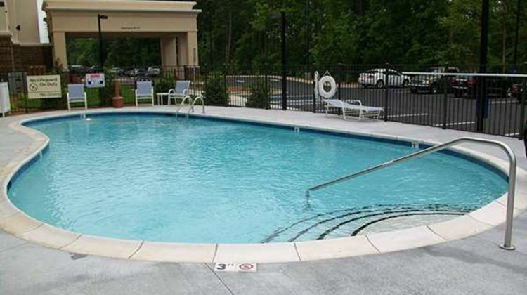 Hampton Inn and Suites Huntersville Pool