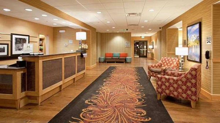 Hampton Inn & Suites Denver/South-Ridge Lobby