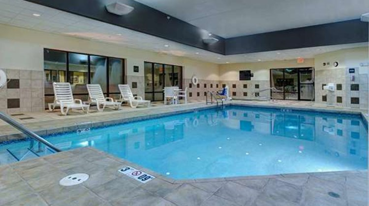 Hampton Inn of West Des Moines Pool