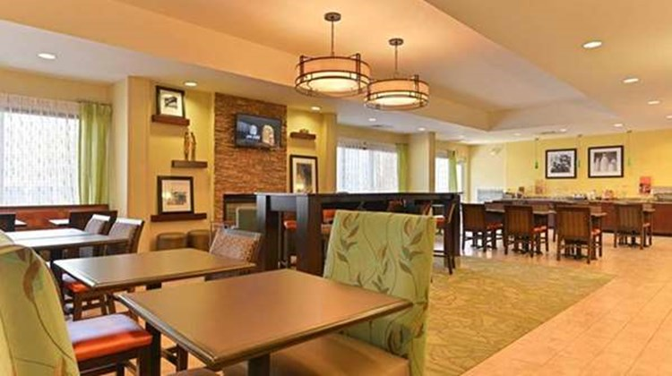 Hampton Inn at Denville Restaurant