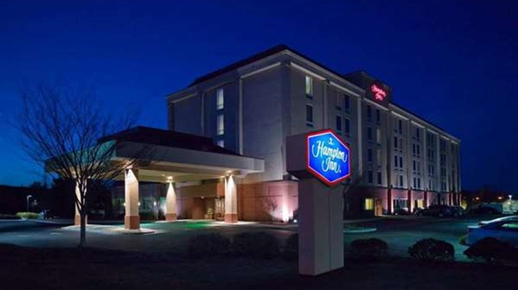 Hampton Inn at Denville Exterior