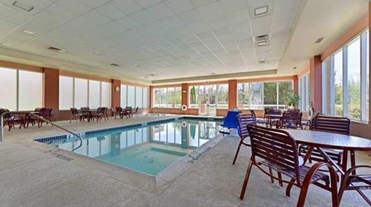 Hampton Inn at Denville Pool