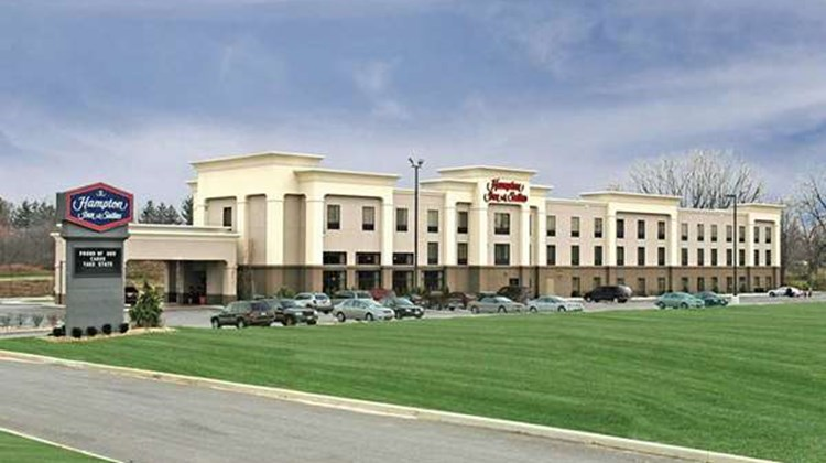 Hampton Inn & Suites Youngstown-Canfield Exterior