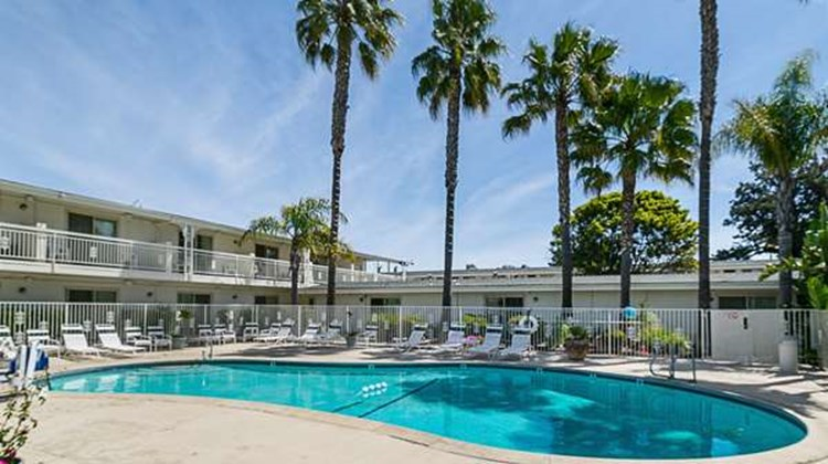 Motel 6 Santa Maria - South Pool