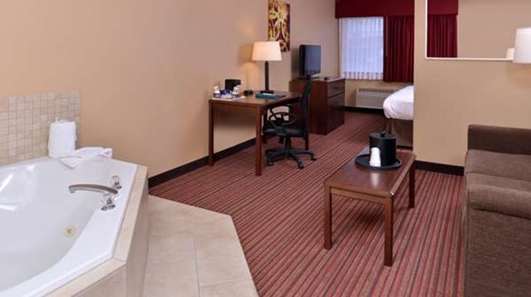 Best Western Woodland Inn Suite