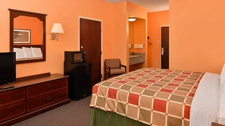 Americas Best Value Inn Room