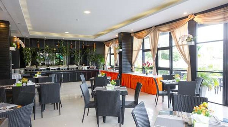 Golden Tulip Essential Pattaya Hotel Restaurant