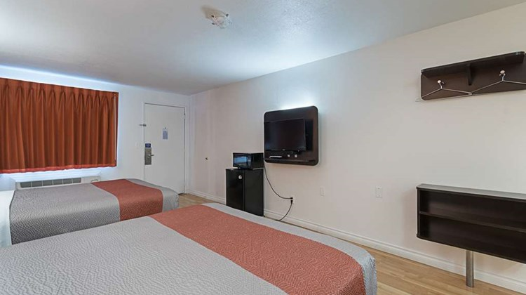 Motel 6 Ferndale Room