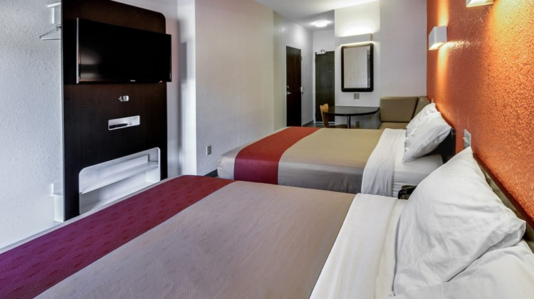 Motel 6 Allentown Room