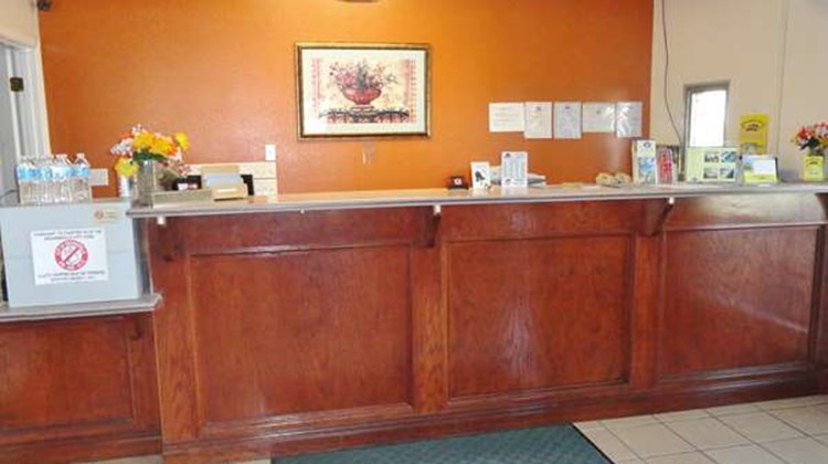 Americas Best Value Inn Brownsville Lobby