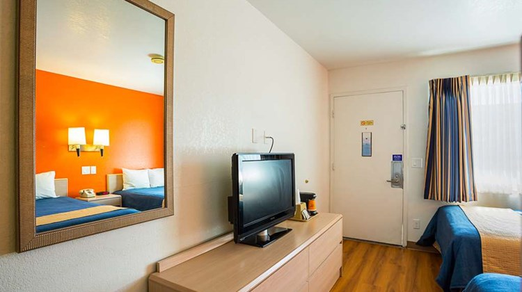 Motel 6 Moscow Room