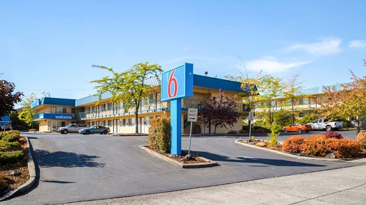 Motel 6 Moscow Exterior