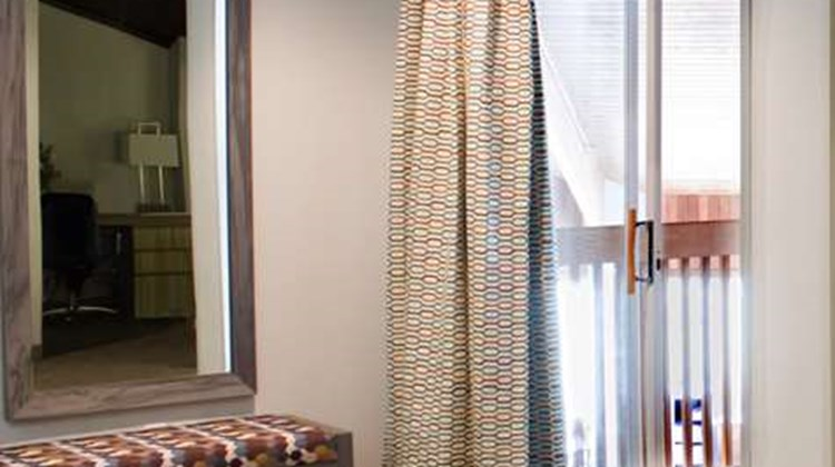 Best Western Toledo South Maumee Suite