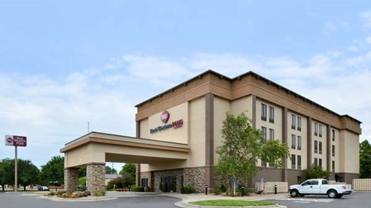 Best Western Plus Wichita-West Airport Exterior