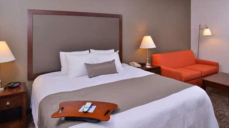 Best Western Plus Wichita-West Airport Suite