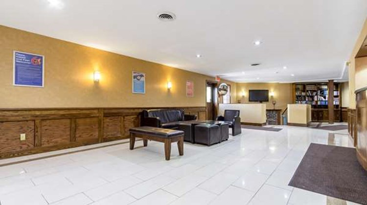 Motel 6 Trenton ON Lobby