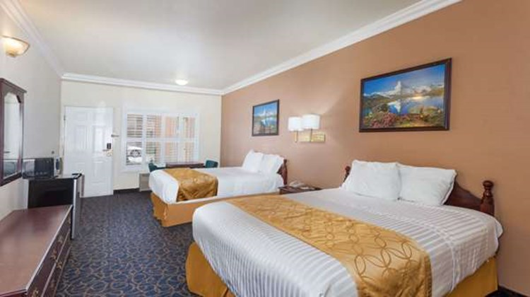 Days Inn & Suites South Gate Room
