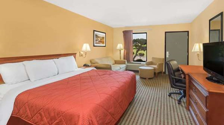Howard Johnson Lookout Mountain Suite