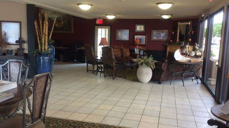 Days Inn Abilene Lobby