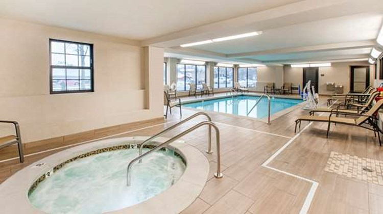 Best Western Plus Grand Castle Inn & Sts Pool