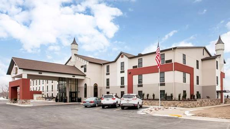 Best Western Plus Grand Castle Inn & Sts Exterior