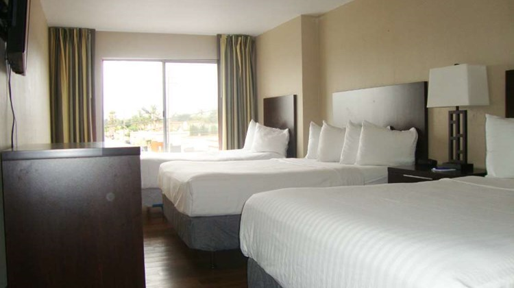 Vagabond Inn Oxnard Suite