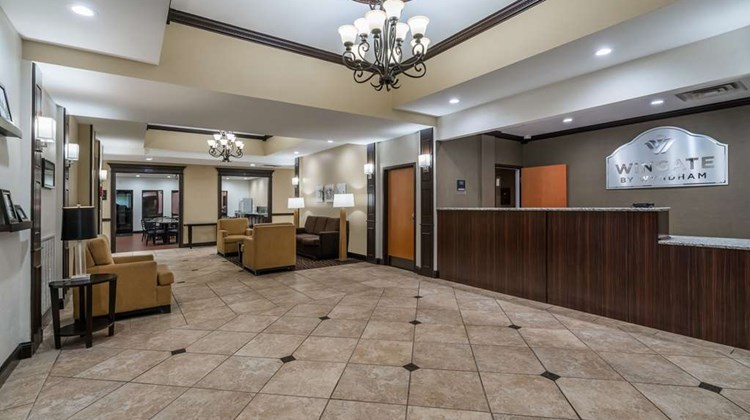 Wingate by Wyndham Bowling Green Lobby