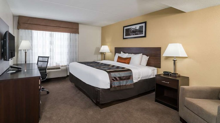 Wingate by Wyndham Bowling Green Suite