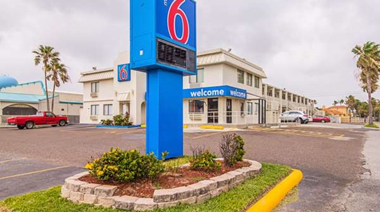 Motel 6 South Padre Island Exterior