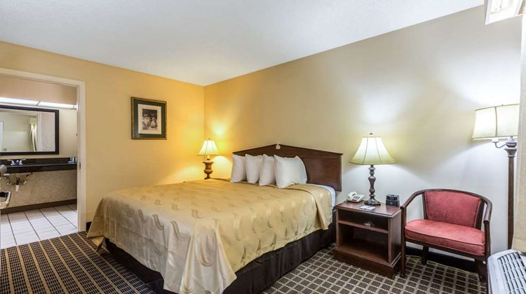 Quality Inn Greensboro Room