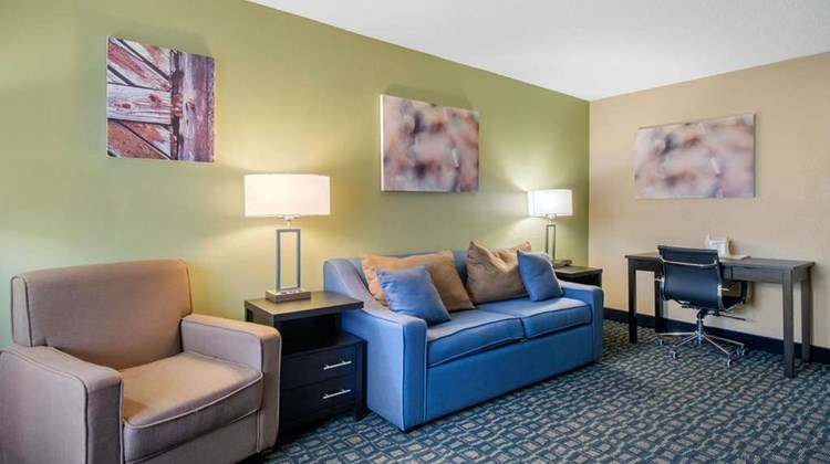 Quality Inn & Suites & Conference Center Suite