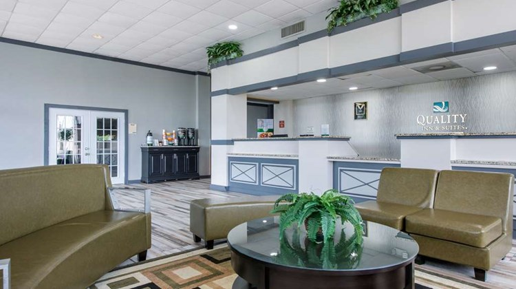 Quality Inn & Suites & Conference Center Lobby