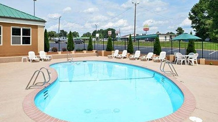 Comfort Inn Asheboro Pool