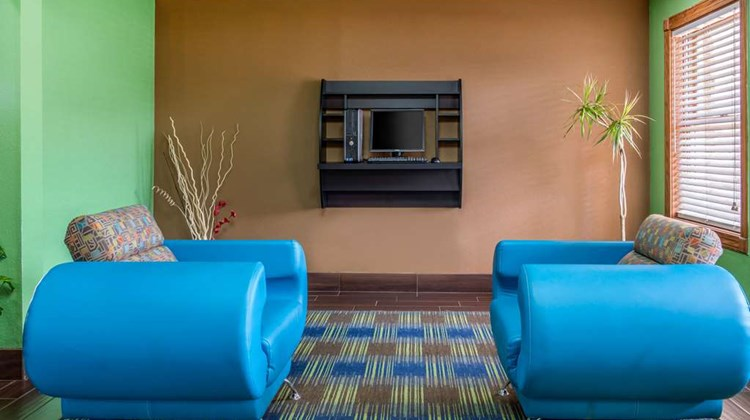 Quality Inn & Suites Other