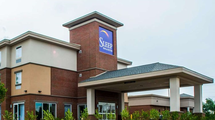 Sleep Inn & Suites East Syracuse Exterior