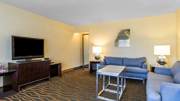 Quality Hotel Ardmore Suite