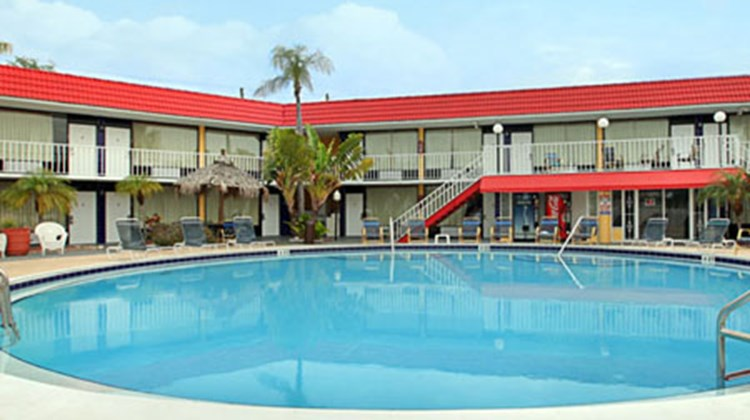 Express Inn & Suites St.Pete/Clearwater Pool