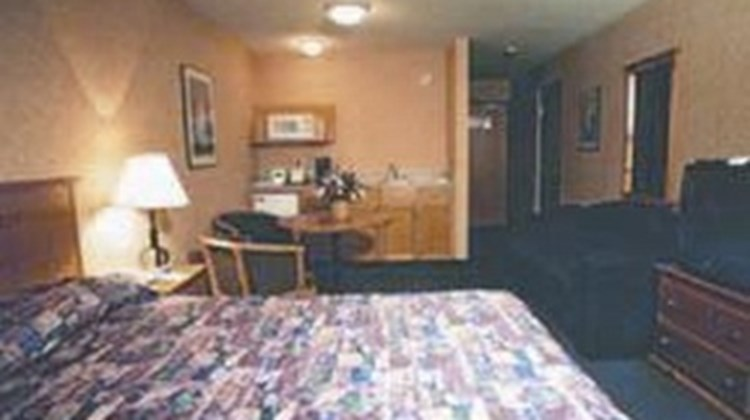 Canmore Inn & Suites Room