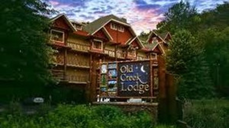 Old Creek Lodge Exterior