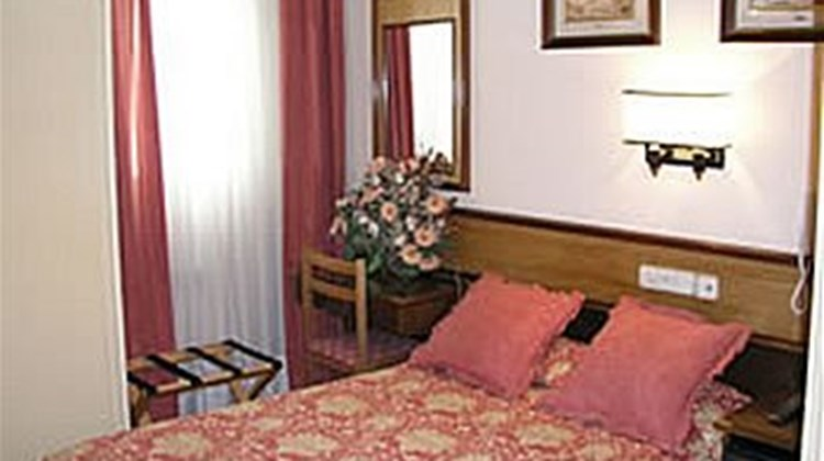 Hostal Hispano Argentino Room