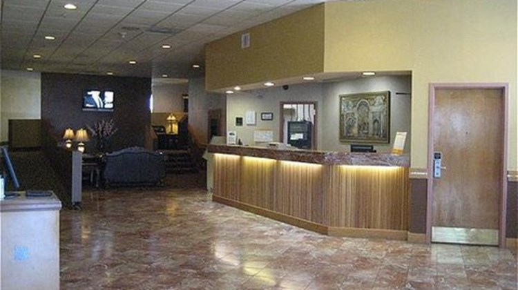 University Inn Austin North Lobby