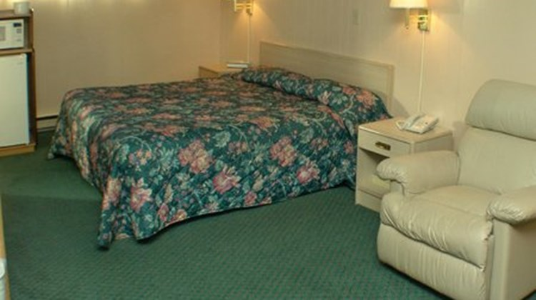 The Town House Motel Room