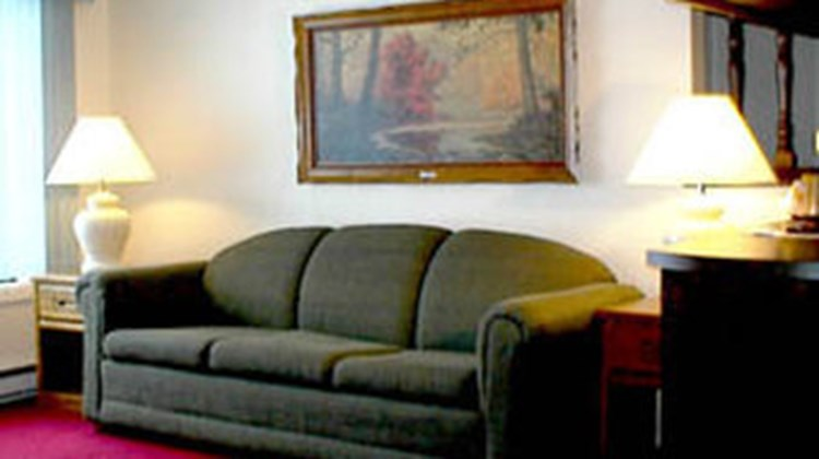 Budget Host Inn-Manistique Room