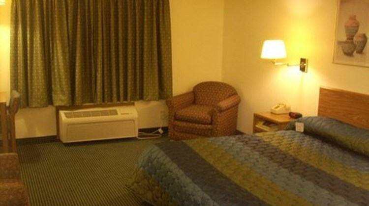 Quality Inn Redwood Falls Room