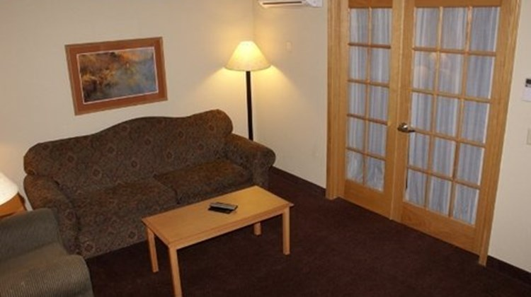 Fossil Creek Hotel and Suites Room