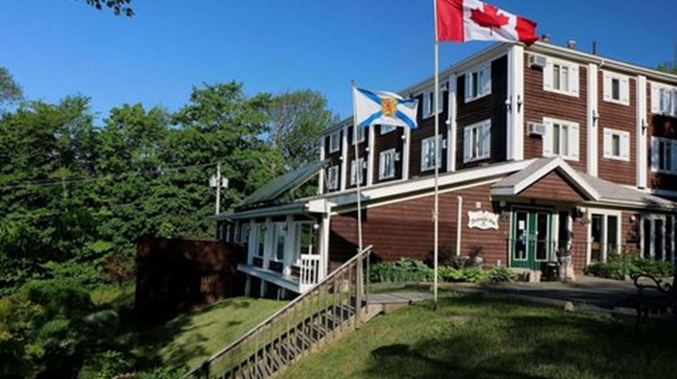 Braeside Country Inn Exterior