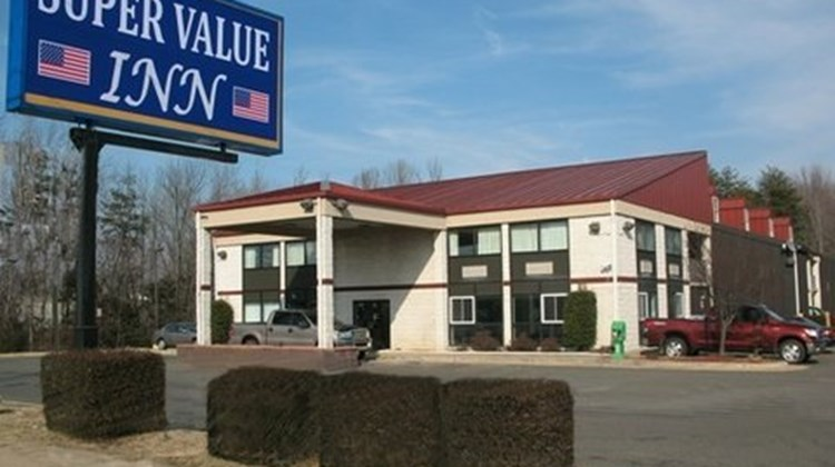 Super Value Inn Exterior