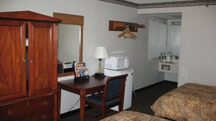 Super Value Inn Room