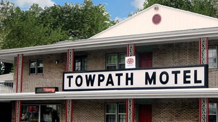 Towpath Motel Exterior
